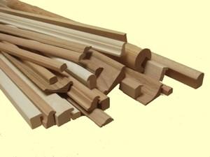 Stropní lišty dřevěné